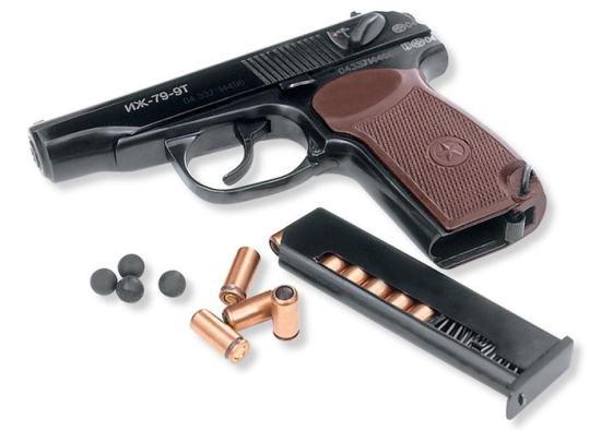 Травматична зброя: «за» і «проти»